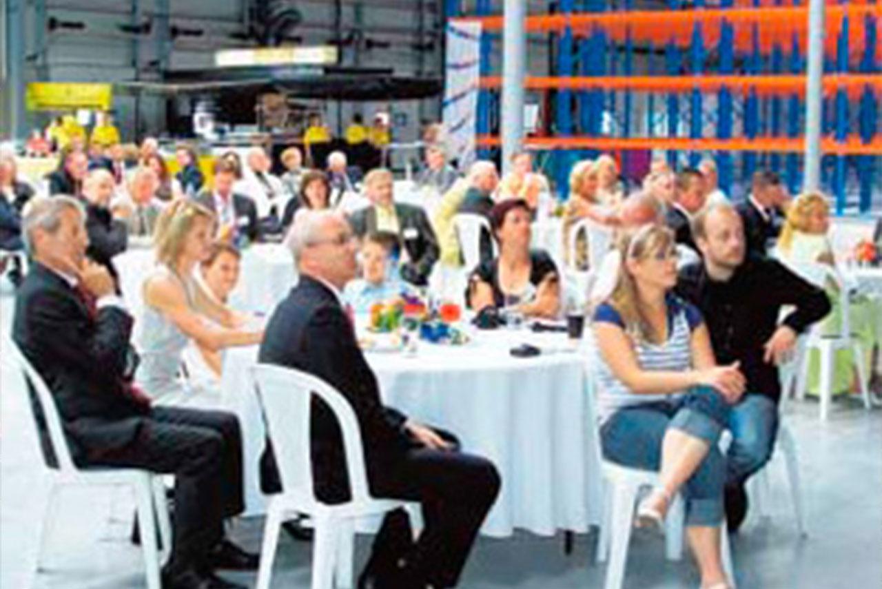 Hochregallager bietet Platz für 5500 Paletten